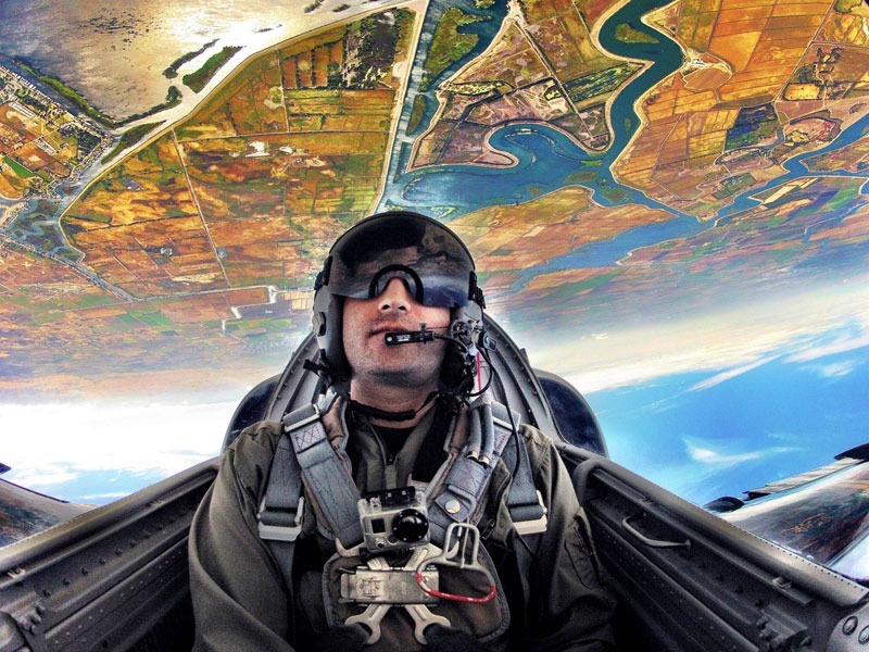 kash-shaikh-patriots-jet-team-upside-down-in-airplane-hdr-go-pro