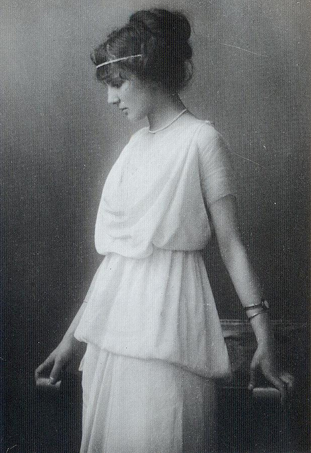 Fashion of The 1900s (10)