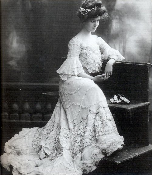Fashion of The 1900s (7)