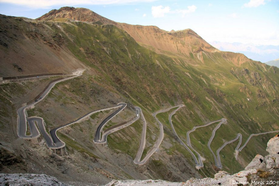 beautiful-roads-around-the-world-20