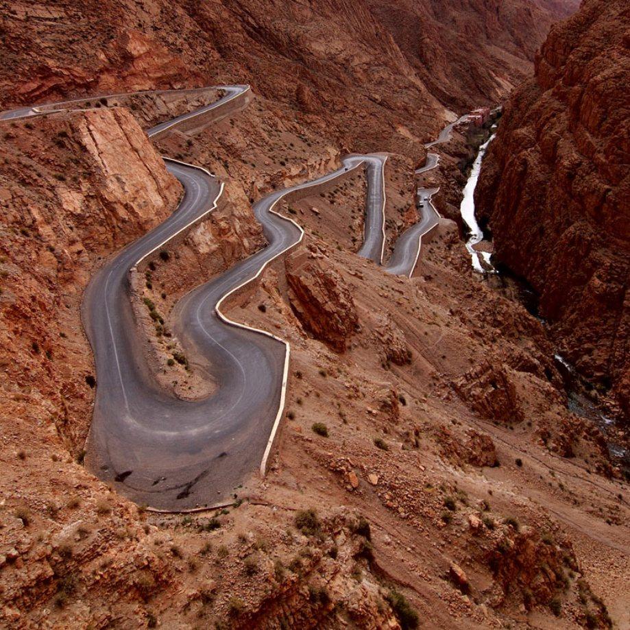 beautiful-roads-around-the-world-3