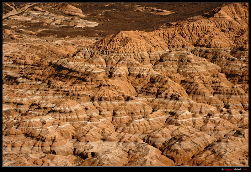 """Kazakh version of """"Mars on Earth."""" The hybrid structure of sandstone and limestone in the lower reaches of the river Charyn."""
