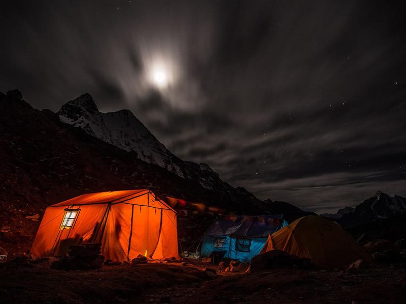 2Night-camp-moon-rising-over-Island-Peaks-base-camp-Nepal-Himalaya