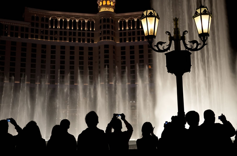 Fountain-Silhouettes