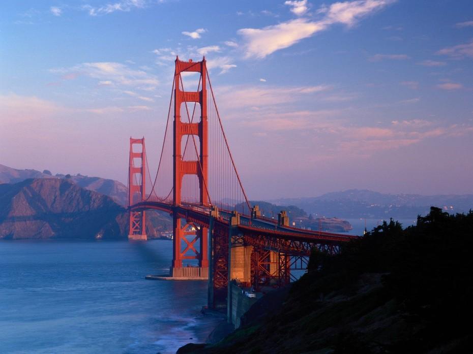 Golden-Gate-Bridge-930x697