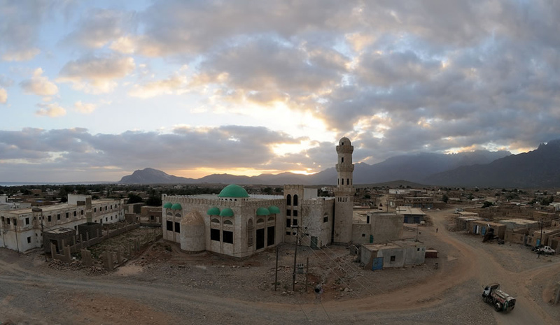 Hadibu-biggest-town-main-mosque-at-dawn