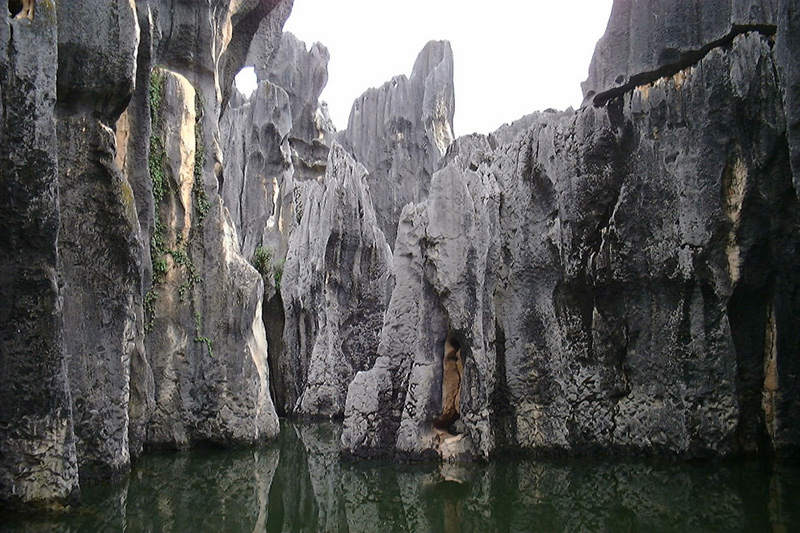 Sword-peak-pond-in-Shilin-Stone-Forest