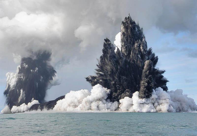tonga-underwater-volcano-eruption-2009