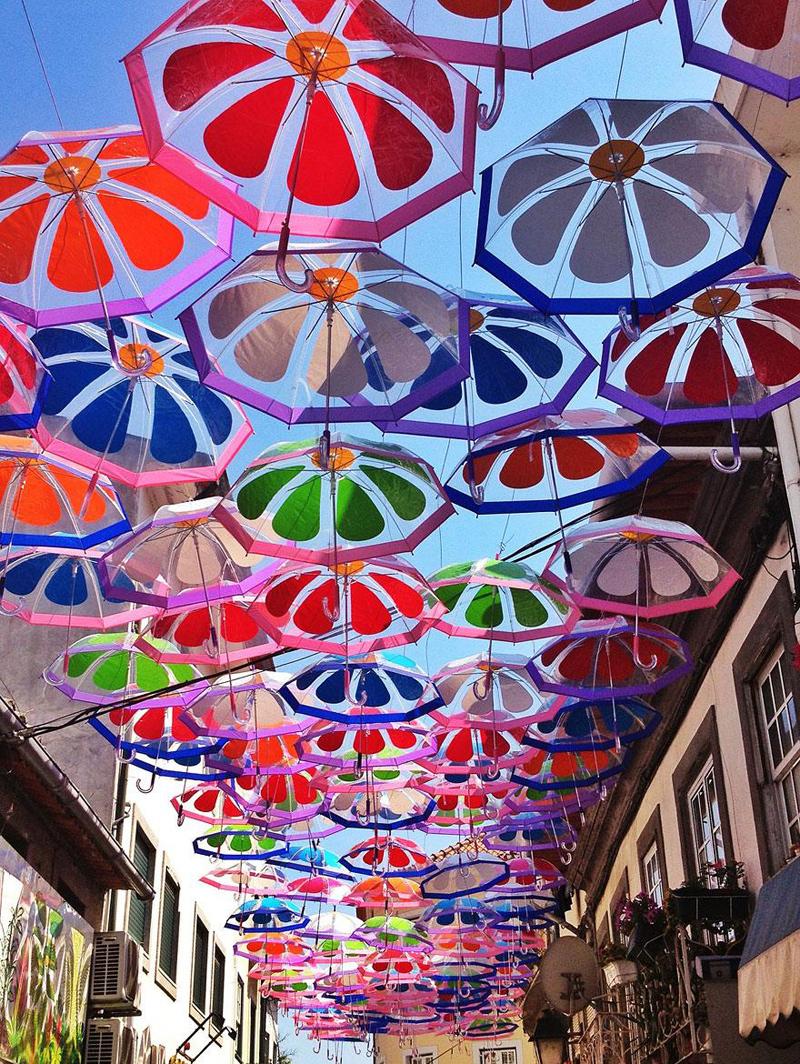 floating-umbrellas-agueda-portugal-2013-3