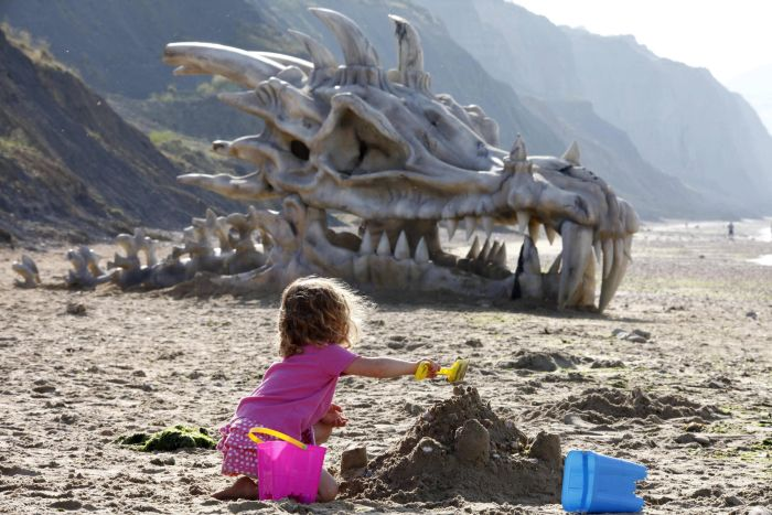 huge_dragon_head_04