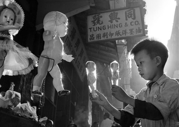 Street+Scenes+of+Hong+Kong+in+the+1950s+4