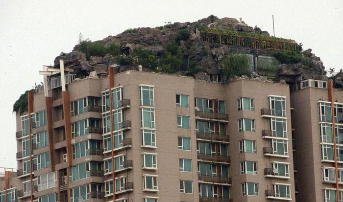builds_mountain_apartment_block_08