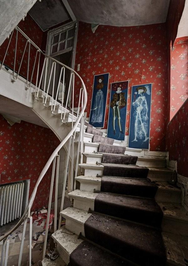 doctors-abandoned-mansion-12