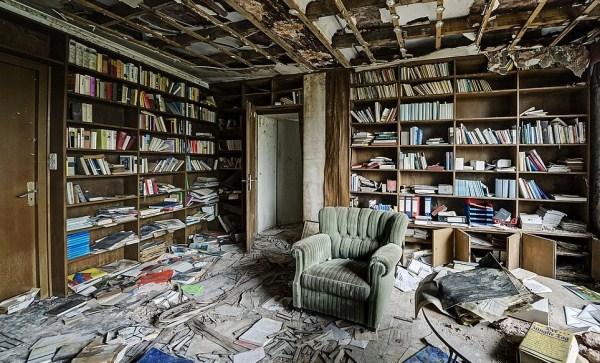 doctors-abandoned-mansion-16