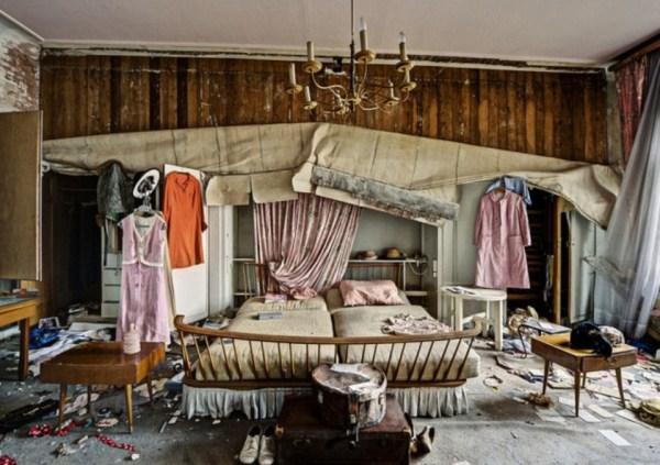 doctors-abandoned-mansion-5