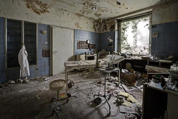 doctors-abandoned-mansion-7