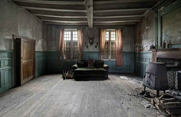 doctors-abandoned-mansion-8