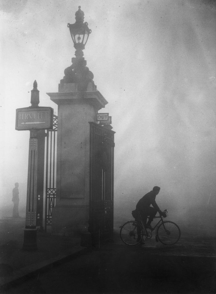 haunting_photos_of_the_london_fog_01