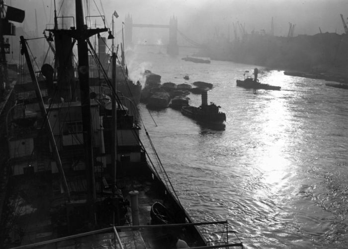 haunting_photos_of_the_london_fog_03