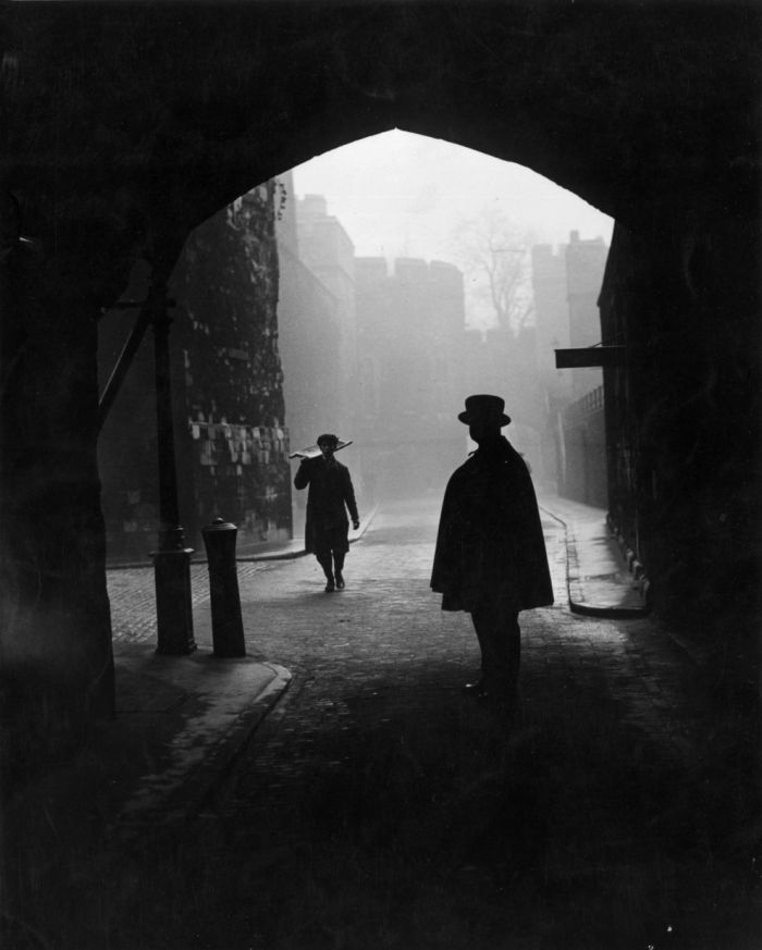 haunting_photos_of_the_london_fog_04