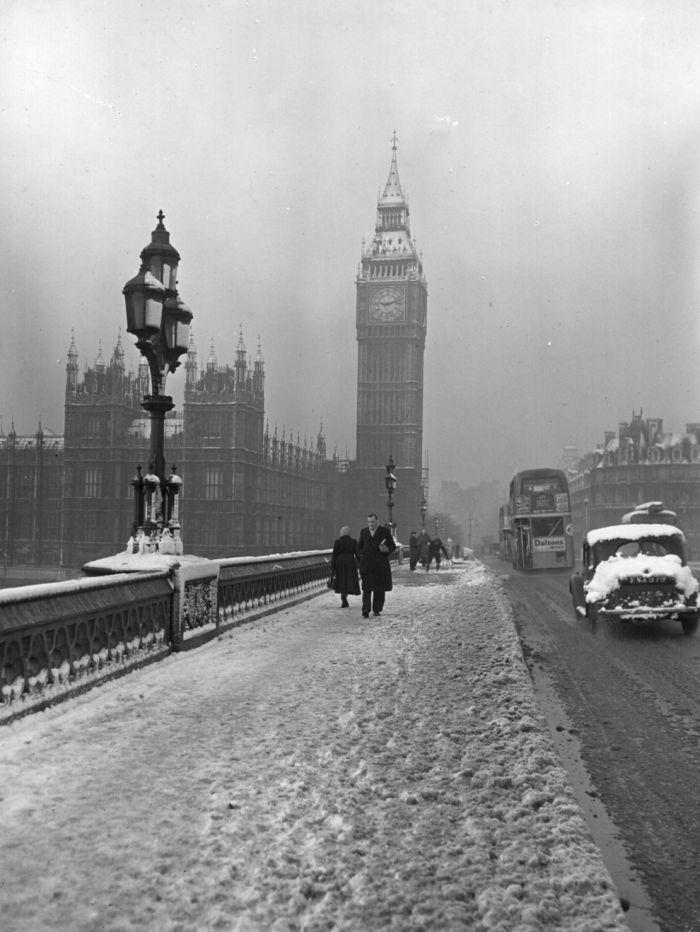 haunting_photos_of_the_london_fog_05