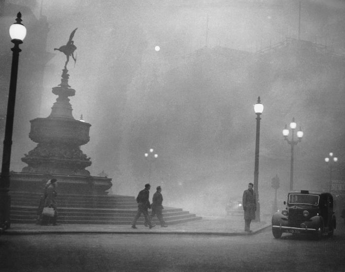 haunting_photos_of_the_london_fog_07