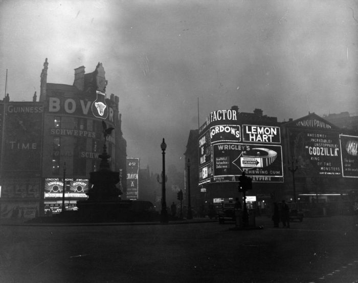haunting_photos_of_the_london_fog_10