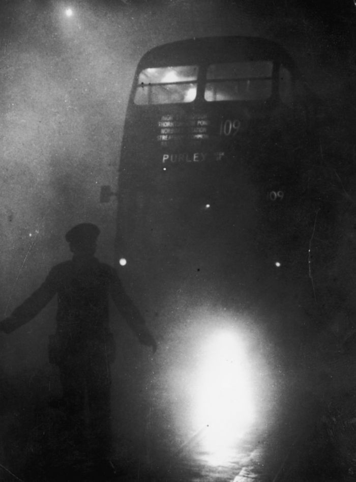 haunting_photos_of_the_london_fog_15