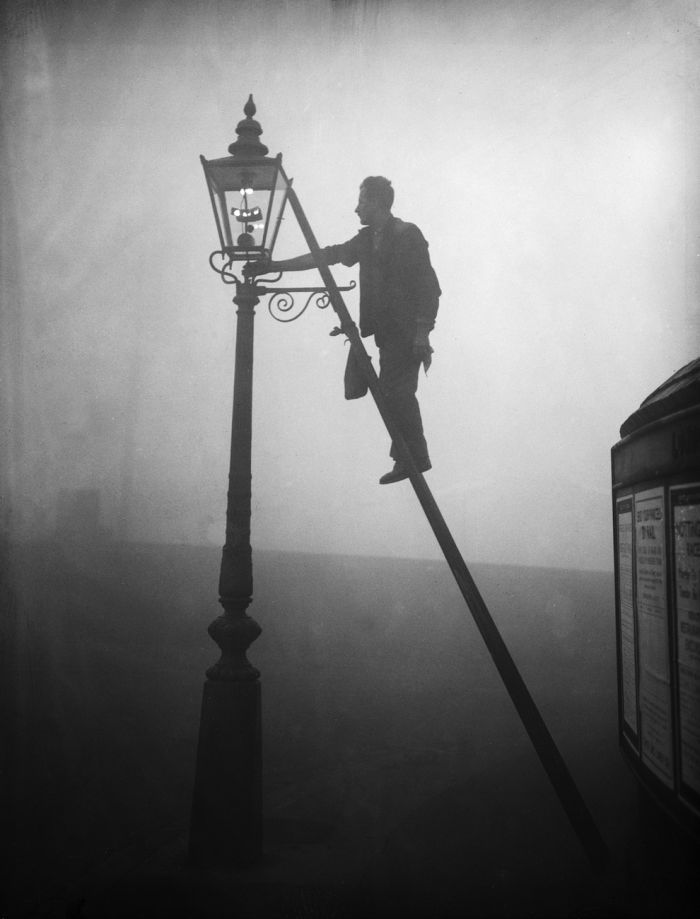haunting_photos_of_the_london_fog_18
