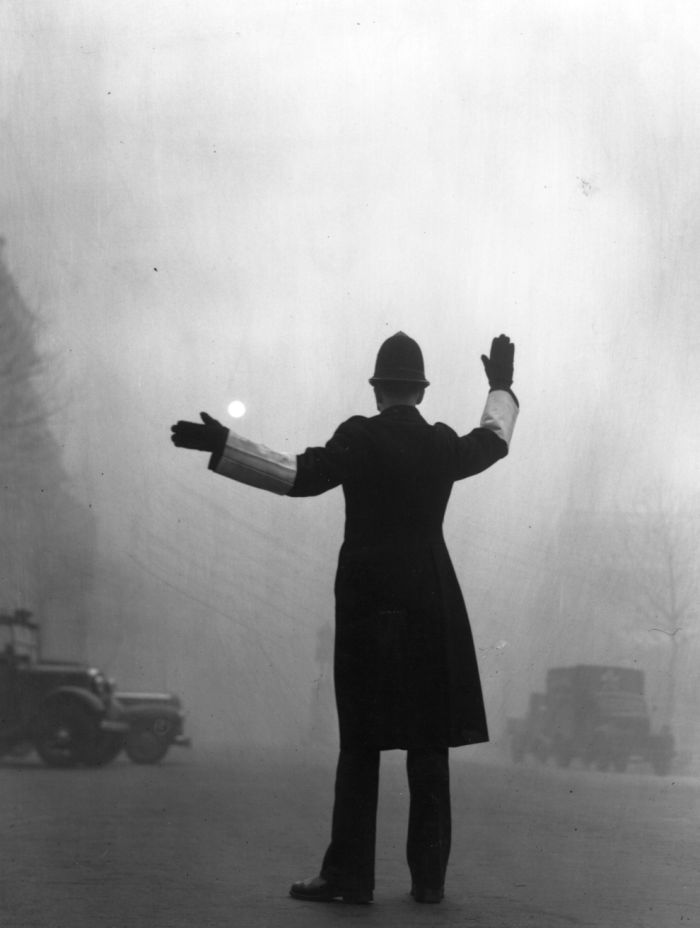 haunting_photos_of_the_london_fog_24