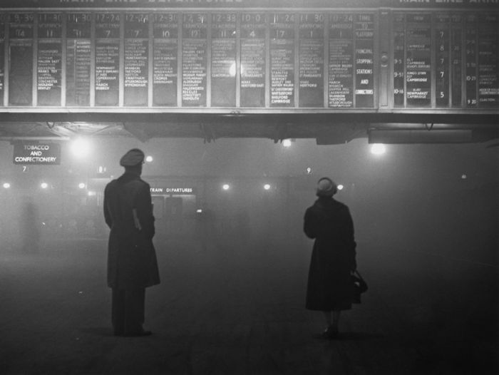 haunting_photos_of_the_london_fog_26