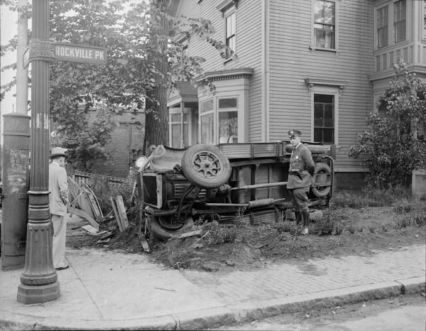 vintage-car-accidents-281