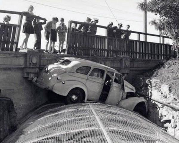 vintage-car-accidents-311