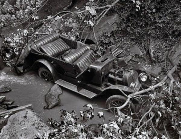 vintage-car-accidents-331