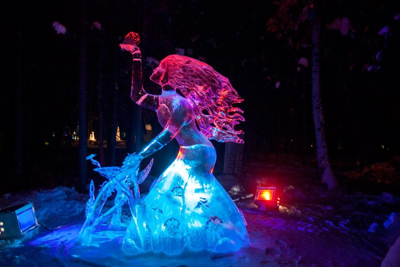 ice-alaska-world-ice-art-championships-2013-single-block-5