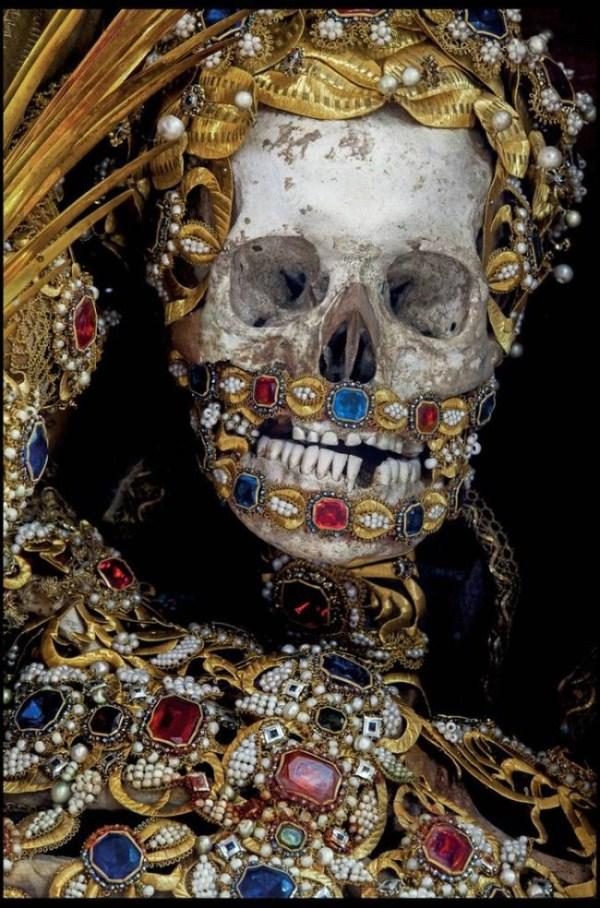 jewel-encrusted-skeletons-9