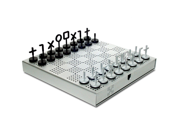 stuart-mcfarlane-chess-set1