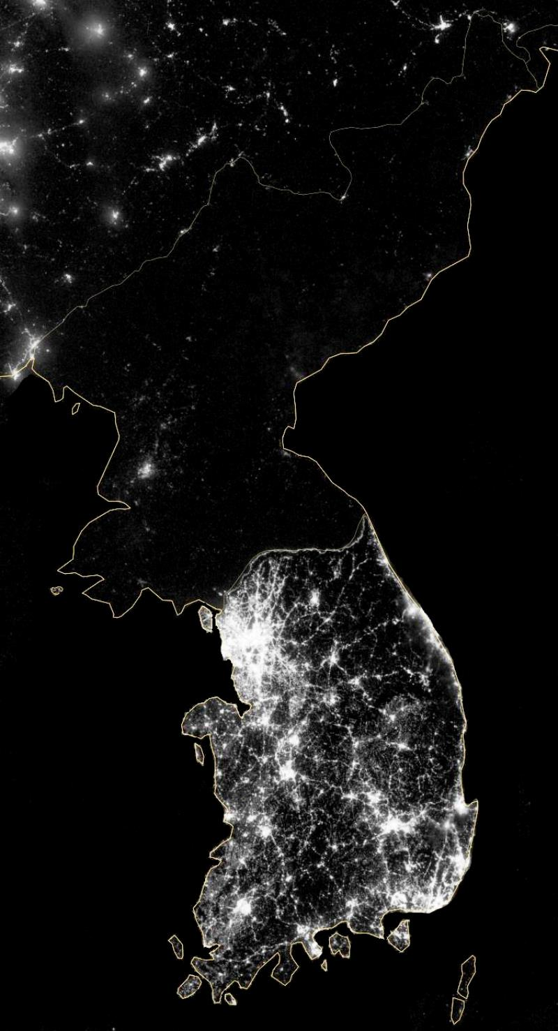 north-korea-south-korea-at-night