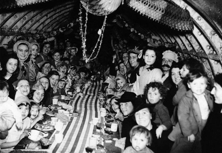 42-London-children-celebrate-Christmas-in-an-underground-shelter-Dec-25-1940-01