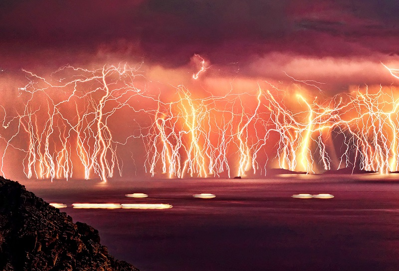 craziest-weather-lightning-storm