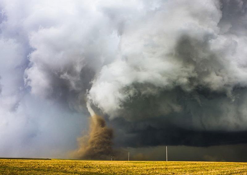 craziest-weather-tornado-forming