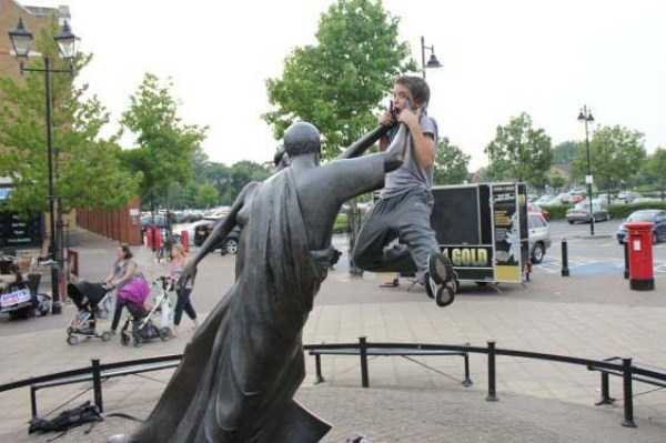 fun-with-statues-27