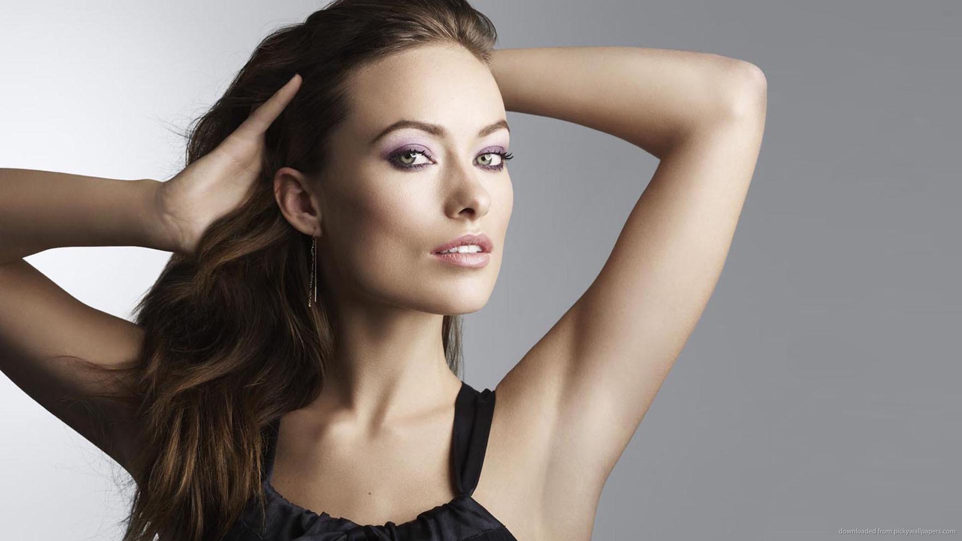 olivia-wilde-bare-armpit