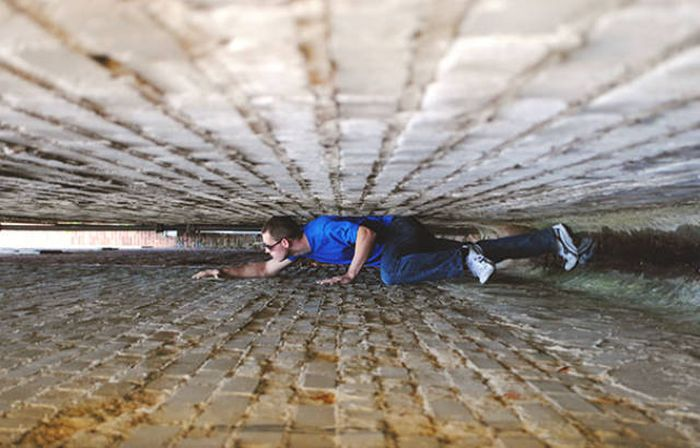 forced-perspective-technique-can-be-used-to-create-surreal-images-44