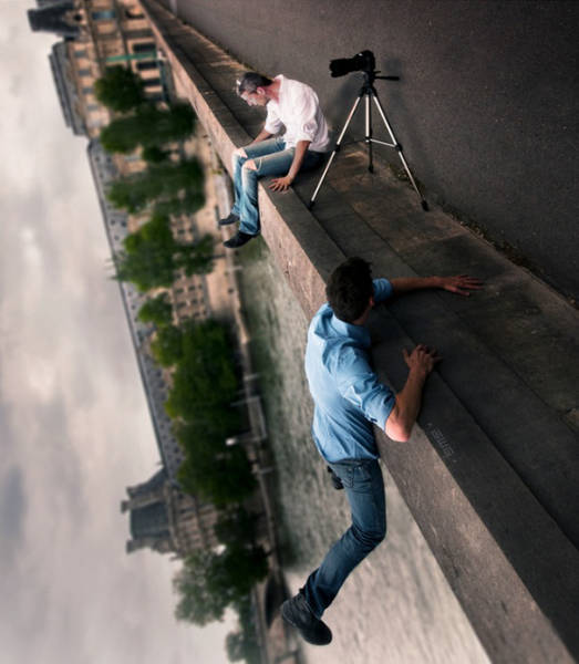 forced-perspective-technique-can-be-used-to-create-surreal-images-19
