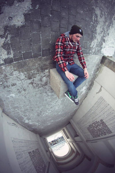 forced-perspective-technique-can-be-used-to-create-surreal-images-3