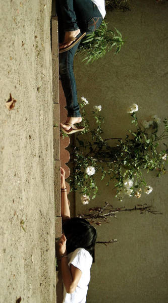 forced-perspective-technique-can-be-used-to-create-surreal-images-61