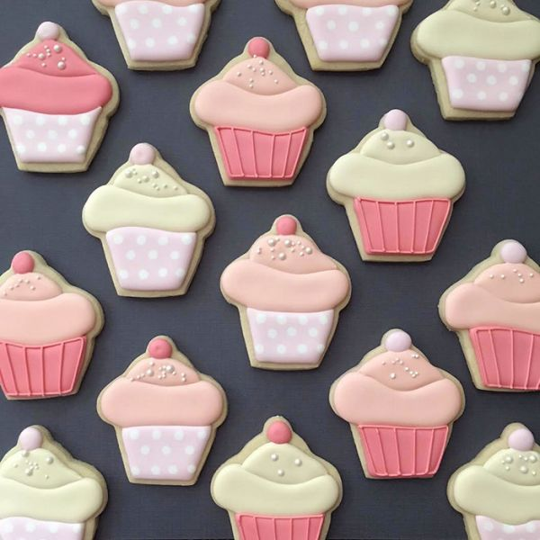 graphic-designer-makes-custom-cookies-holly-fox-design-74-572da25c4a9ba__700