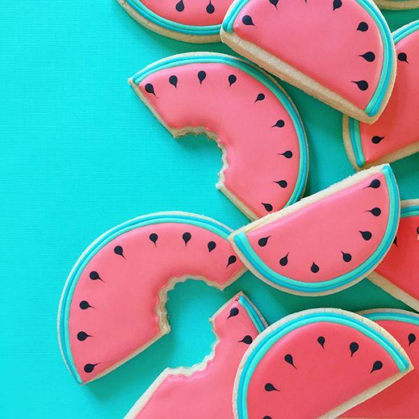 graphic-designer-makes-custom-cookies-holly-fox-design-58-572da341ad020__700