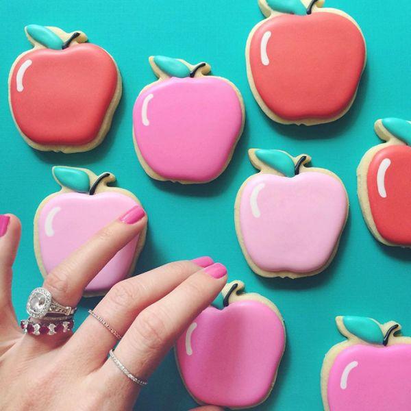 graphic-designer-makes-custom-cookies-holly-fox-design-14-572da2a75da14__700